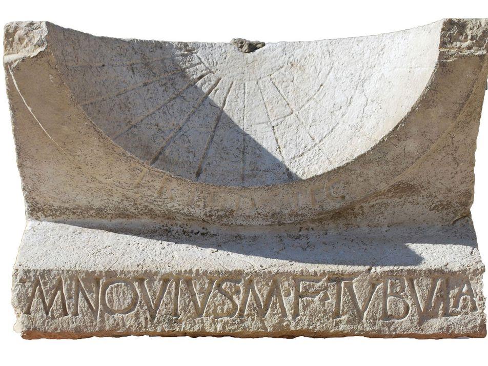 Descoberto relógio de sol feito para celebrar vitória em eleição romana