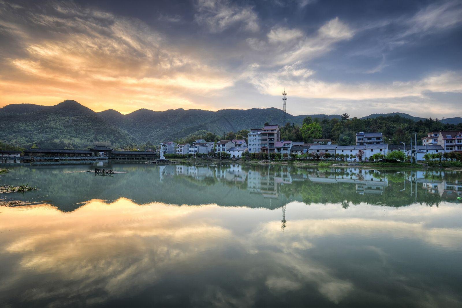 Tonglu, China | A pitoresca zona rural de Tonglu inspira artistas e escritores chineses há séculos, ...