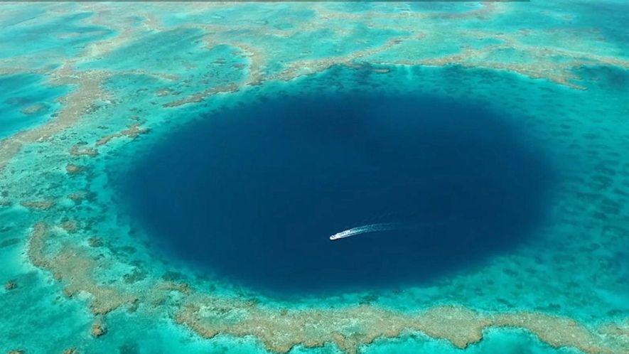 Veja o intrigante buraco azul da Grande Barreira de Coral australiana