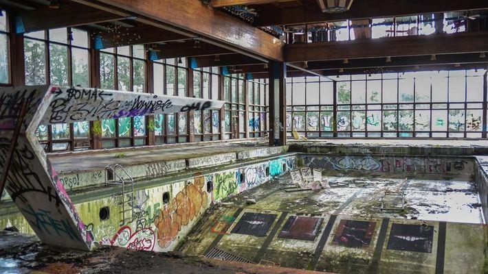 Fotografo registra resorts americanos abandonados