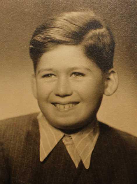 Mesmo preso no campo de Terezín, o menino Thomas frequentou uma escolinha de pintura improvisada, onde ...