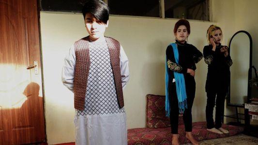 A vida das garotas criadas como meninos no Afeganistão