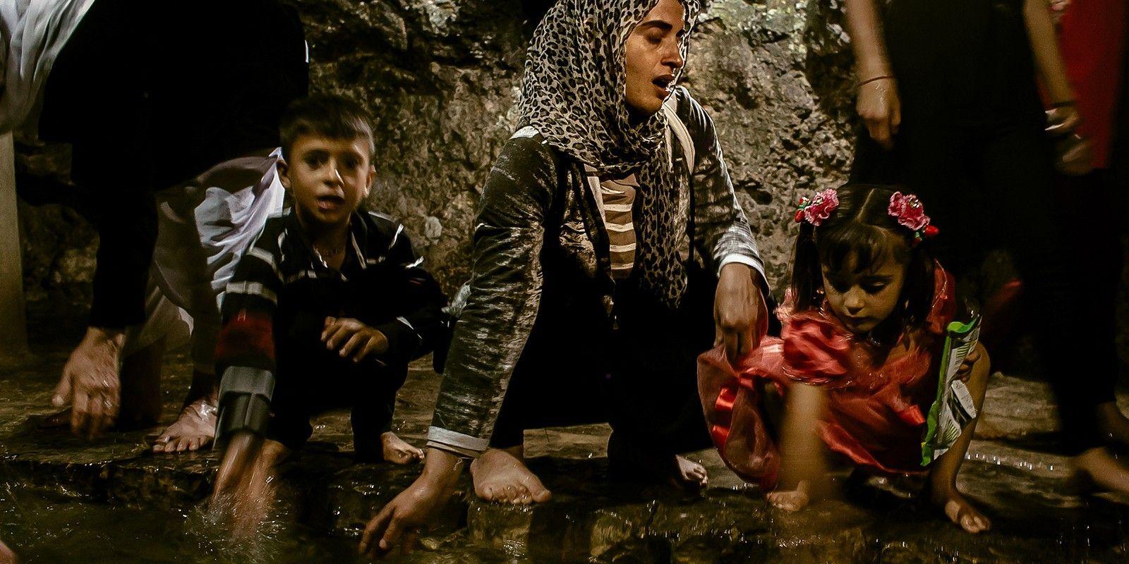 Ex-escravas sexuais do Isis, mulheres yazidis recuperam a fé e a dignidade