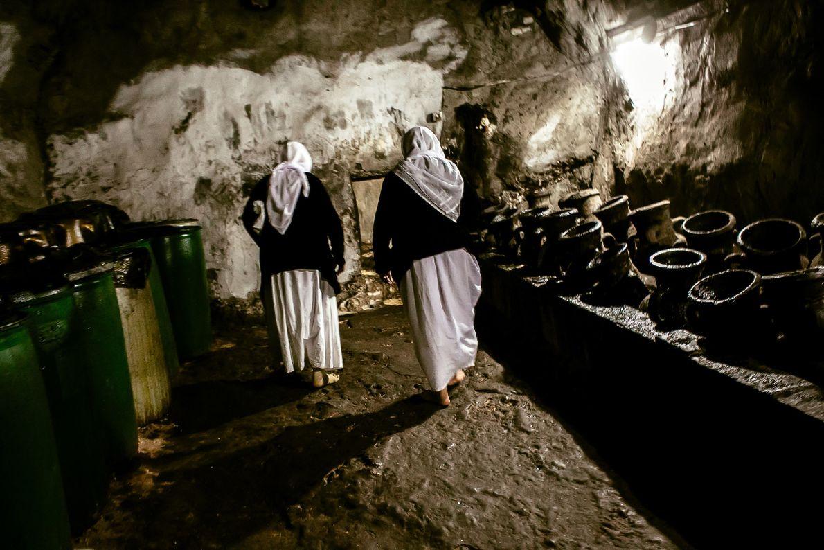 mulheres-yazidis-hall-velas-pedidos-de-paz