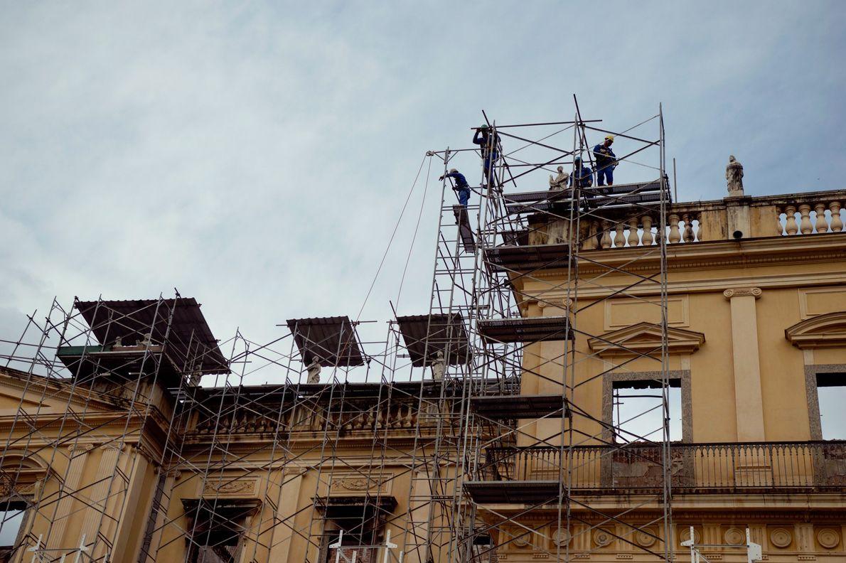 Empresa de construção trabalhou por meses para estabilizar estrutura do Museu Nacional e permitir que pesquisadores ...