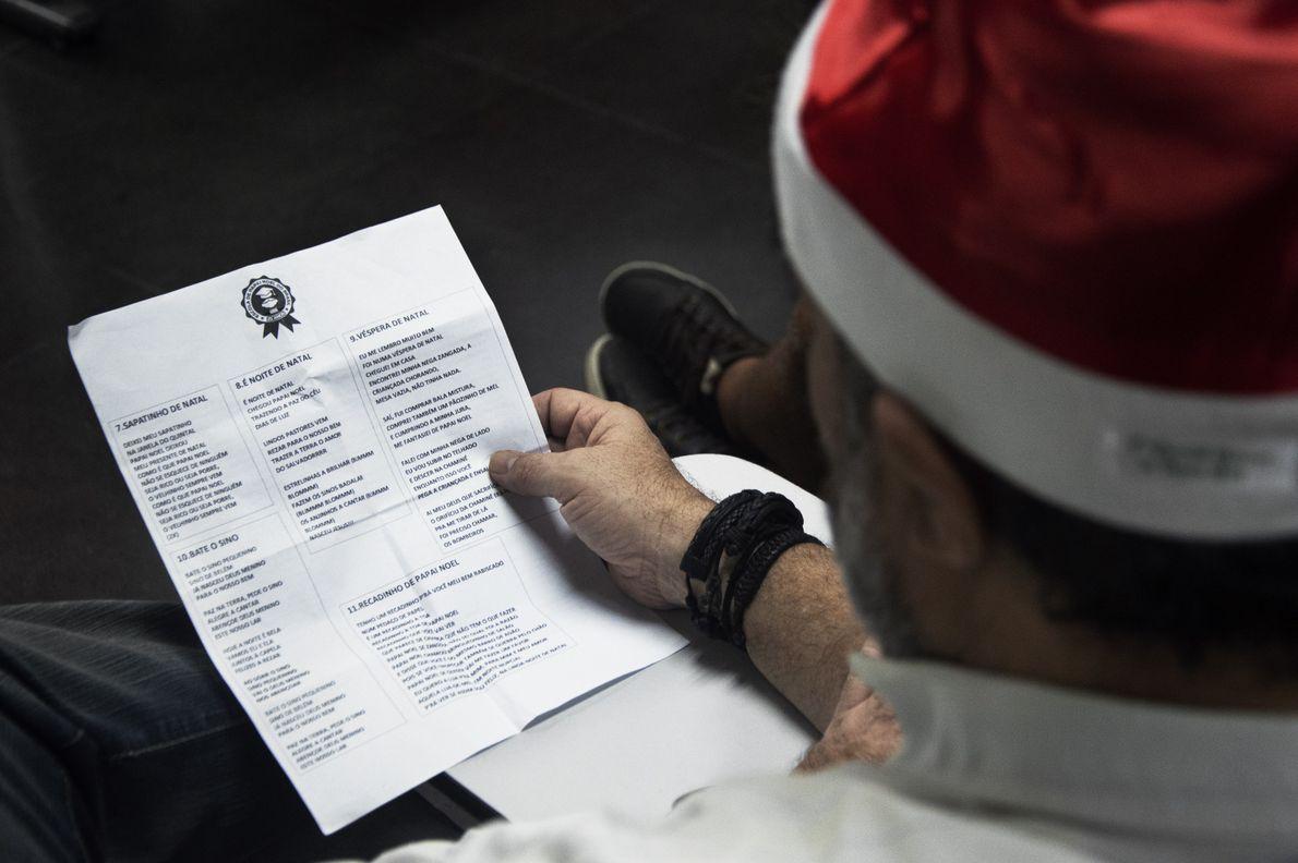 As aulas incluem músicas com letras em italiano.