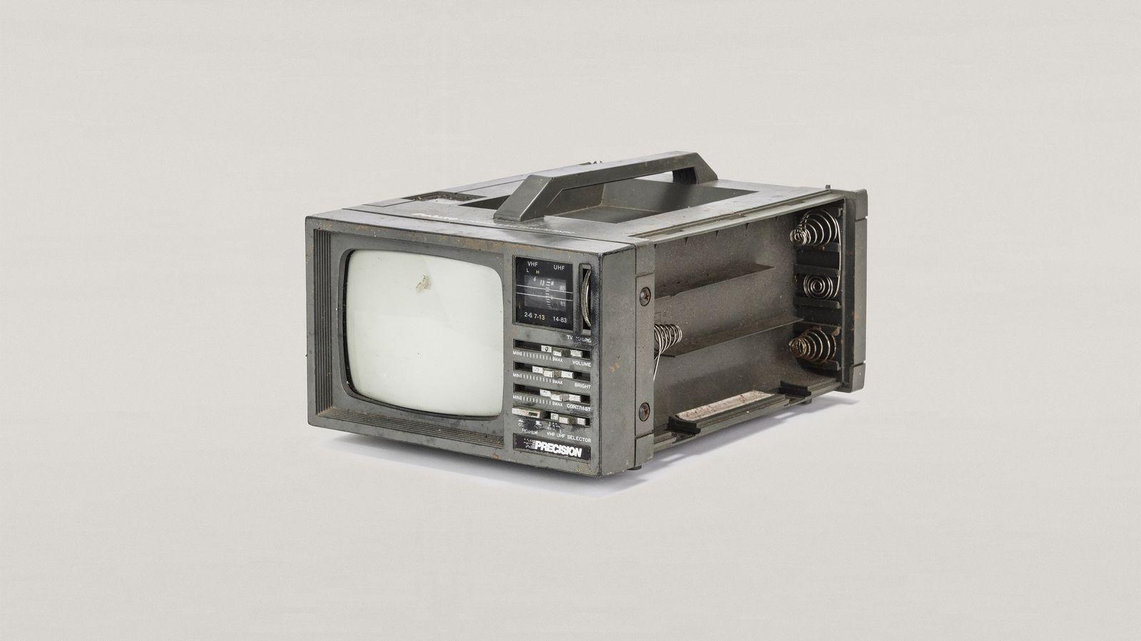 Antiga TV analógica portátil