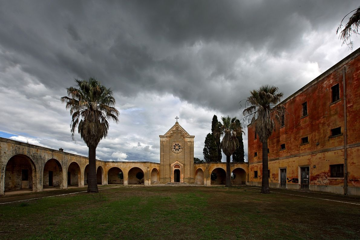 Monteruga foi construída durante o regime fascista da Itália e abandonada na década de 80.