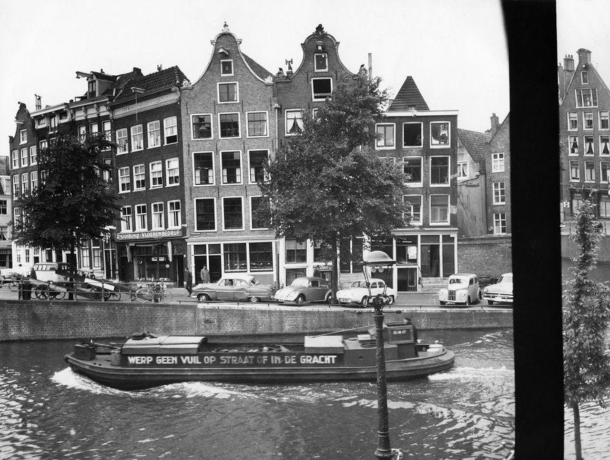 A vista do anexo onde Anne Frank e outras sete pessoas — sua irmã e seus ...