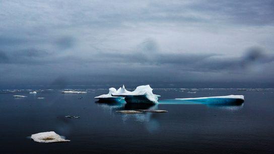 Oceano Ártico perto de Utqiaġvik (conhecida anteriormente como Barrow), no Alasca, em junho de 2015, após ...