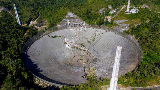 Icônico radiotelescópio de Porto Rico desaba