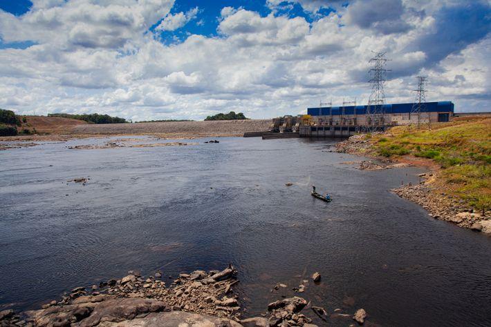 A usina hidrelétrica (UHE) Ferreira Gomes, no município homônimo, faz parte de complexo de três UHE's ...