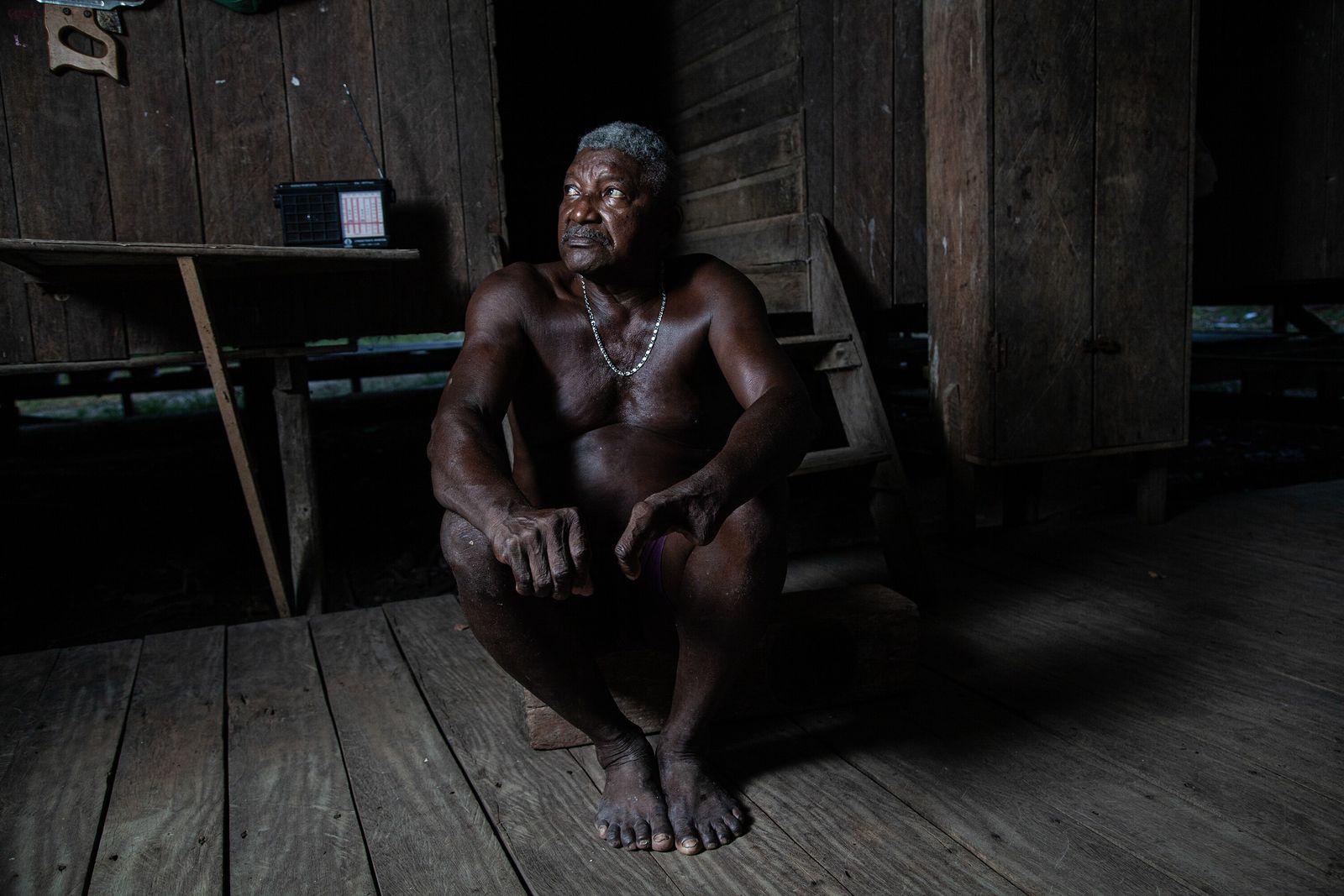 Raimundo Trindade, morador da vila Conceição do Maracá, um território quilombola, foi um dos primeiros a ...