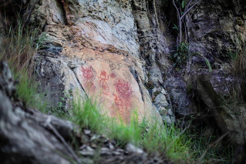 Pinturas rupestres no sítio arqueológico Serra da Lua, em Monte Alegre. Os desenhos naturalmente sofrem com ...