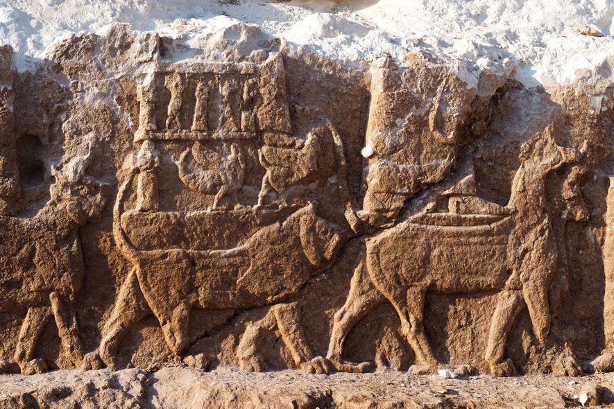 Extremamente raras, obras assírias são descobertas no Iraque