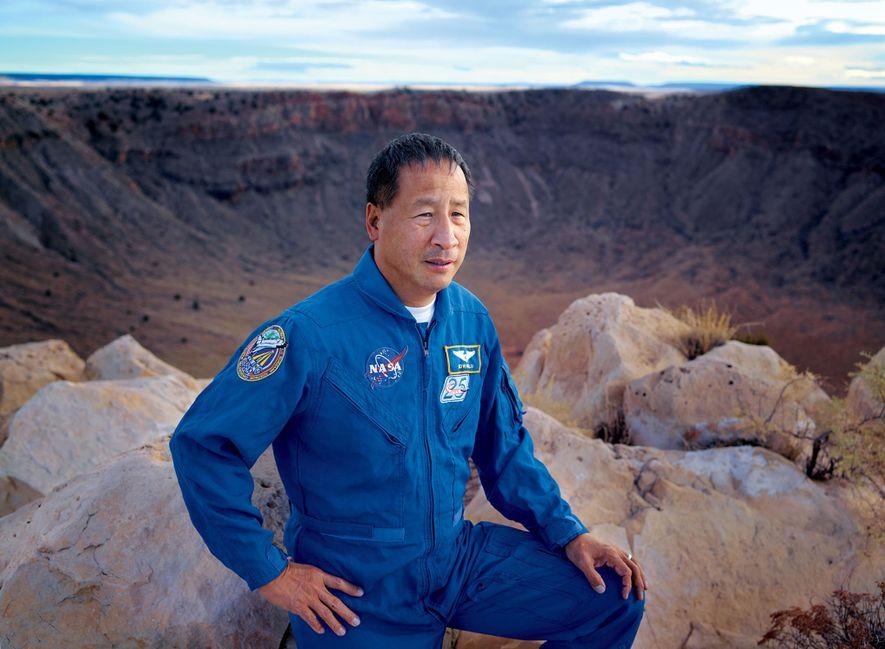ED LU | CRATERA METEOR, ARIZONA, EUA Veterano de três missões espaciais da Nasa, entre 1997 e ...