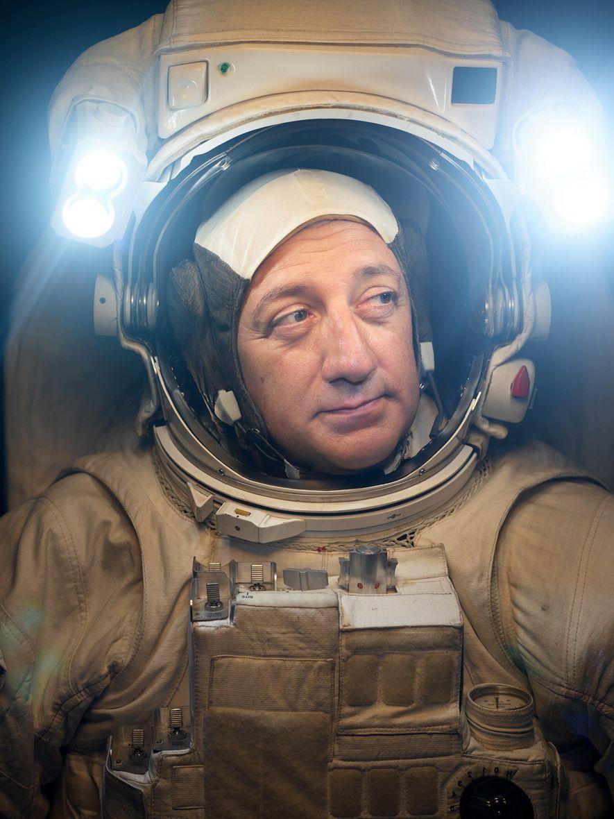MIKE MASSIMINO | CIDADE DE NOVA YORK Em 2009, o astronauta da Nasa visitou o Telescópio Espacial ...