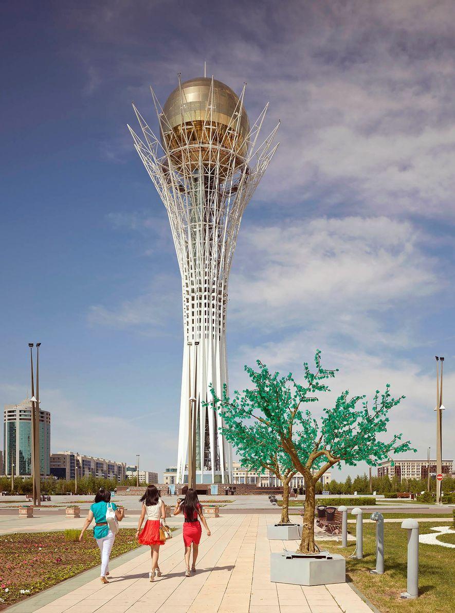 Torre Bajterek (2002) - Astana, Casaquistão