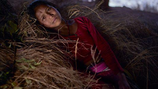 A arriscada vida das mulheres exiladas das famílias por menstruarem