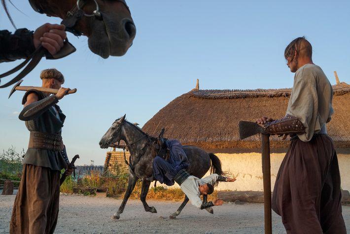 A destreza dos yamnayas com os cavalos, que eles levaram à Europa, ainda se nota em ...
