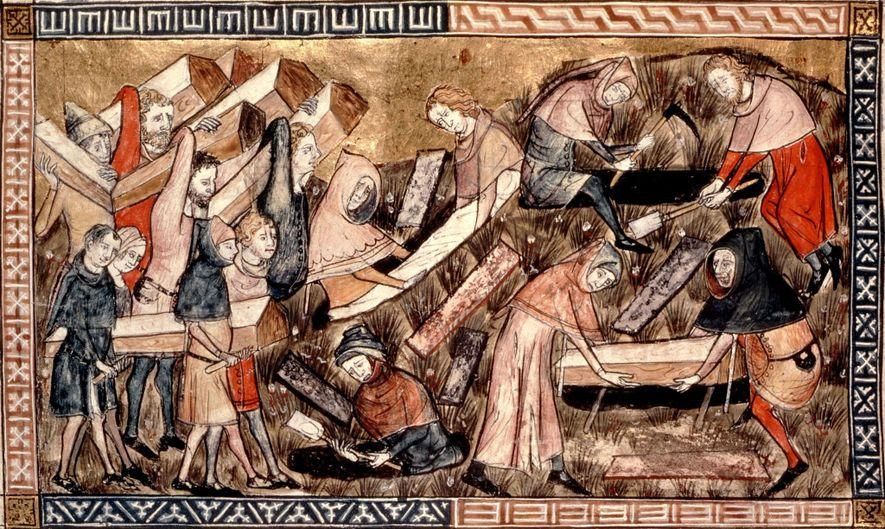 Residentes do vilarejo carregam os caixões das vítimas da peste nesta representação do surto na Europa ...