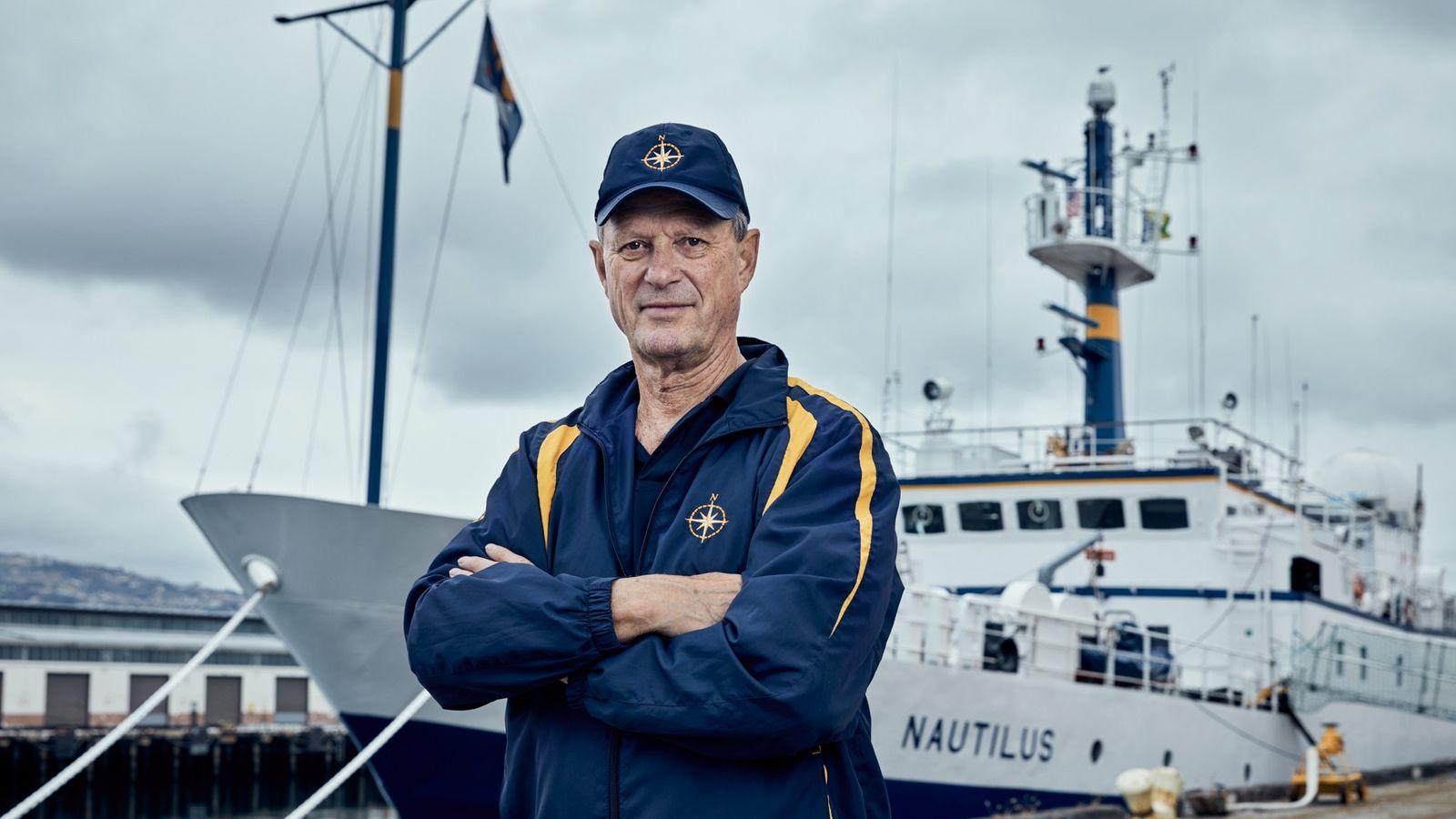 Conhecido principalmente por sua descoberta do Titanic em 1985, Robert Ballard levará sua comprovada estratégia submarina ...