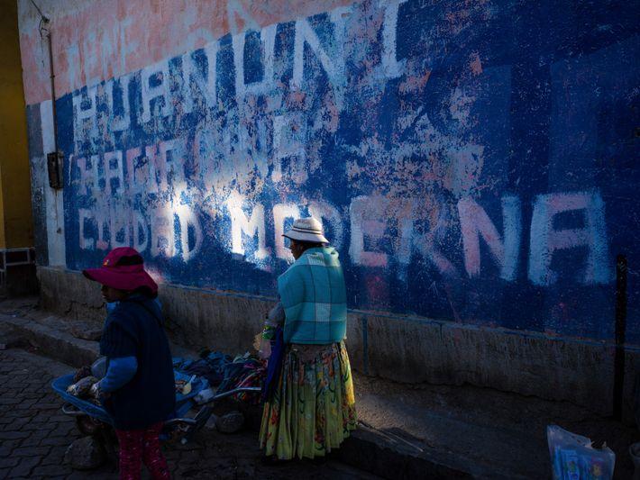 Na cidade de Huanuni, na Bolívia, ar e rios foram tomados pela poluição emitida por mineradoras. ...