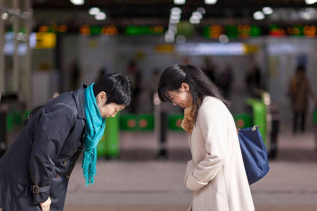 6 formas de se cumprimentar em todo o mundo — sem se tocar | National  Geographic
