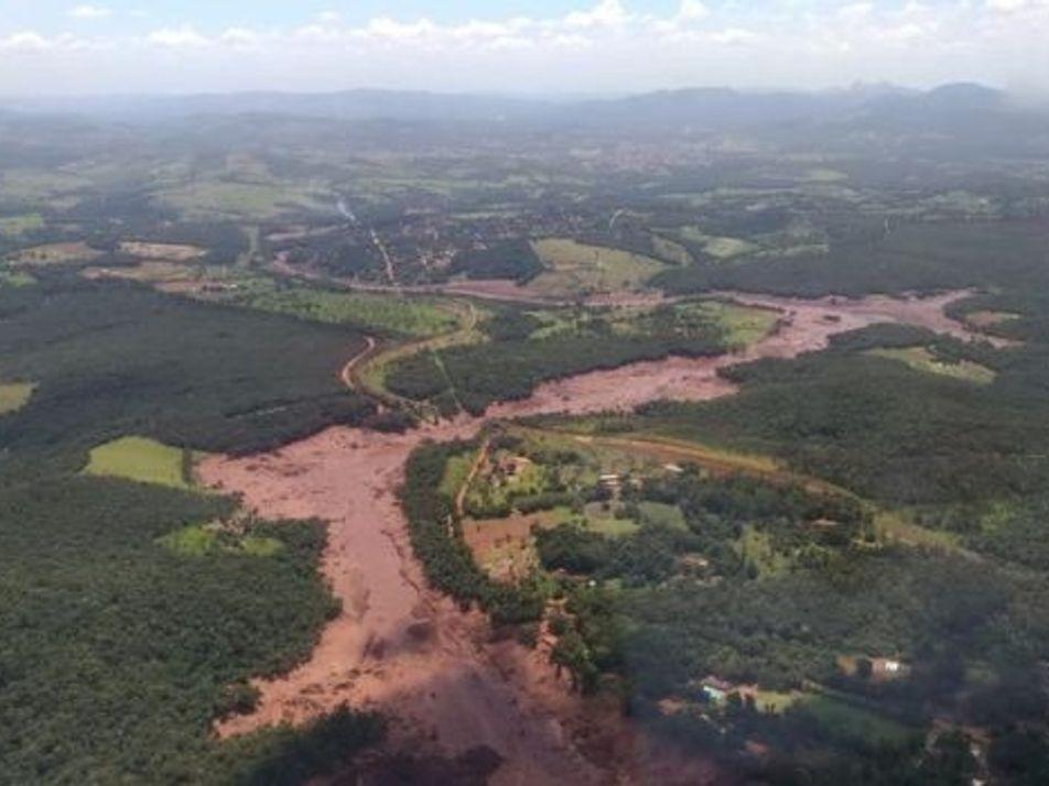 Barragem de mineradora se rompe em Brumadinho, MG