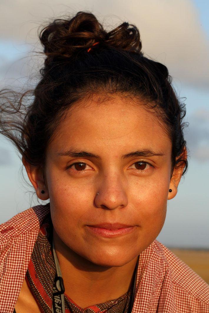 Atualmente, Camila cursa pós-doutorado financiado por uma bolsa de estudos no Centro de Paleoecologia e Arqueologia ...