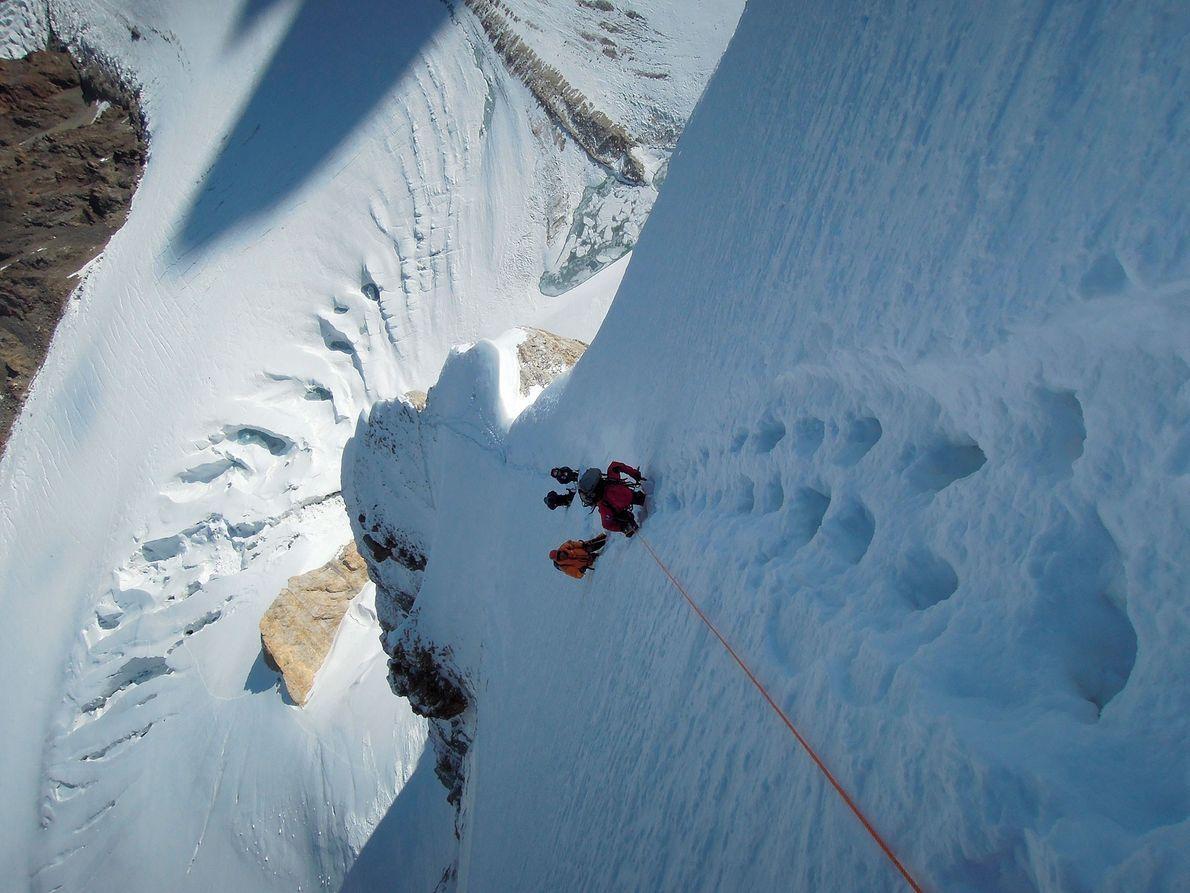 Até 2019, foram feitas quatro grandes tentativas de escalar a segunda montanha mais alta do mundo ...