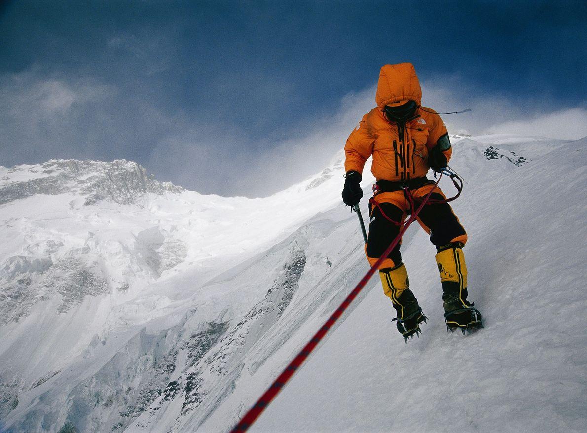Após incríveis 29 tentativas, Nanga Parbat foi finalmente escalado no inverno quando duas equipes uniram forças: ...