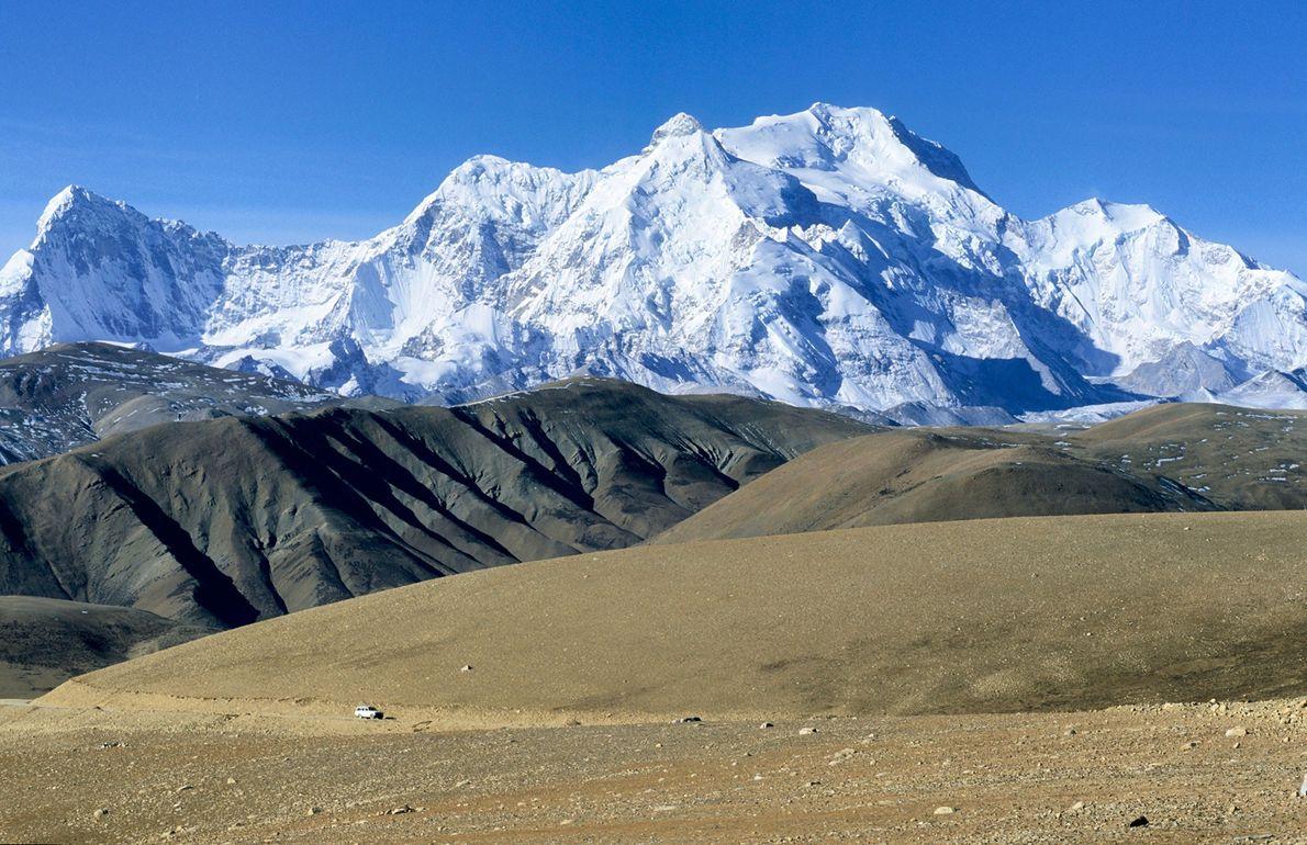 Dezesseis anos se passaram até a próxima expedição inédita de inverno em uma montanha de 8 ...