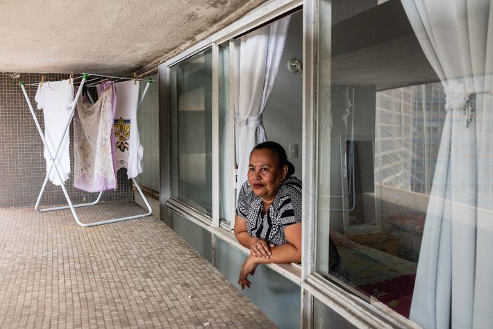 A cuidadora Angelica Cunha, 55 anos, depende de sua renda para sobreviver. Depois de ficar doente, ela ...