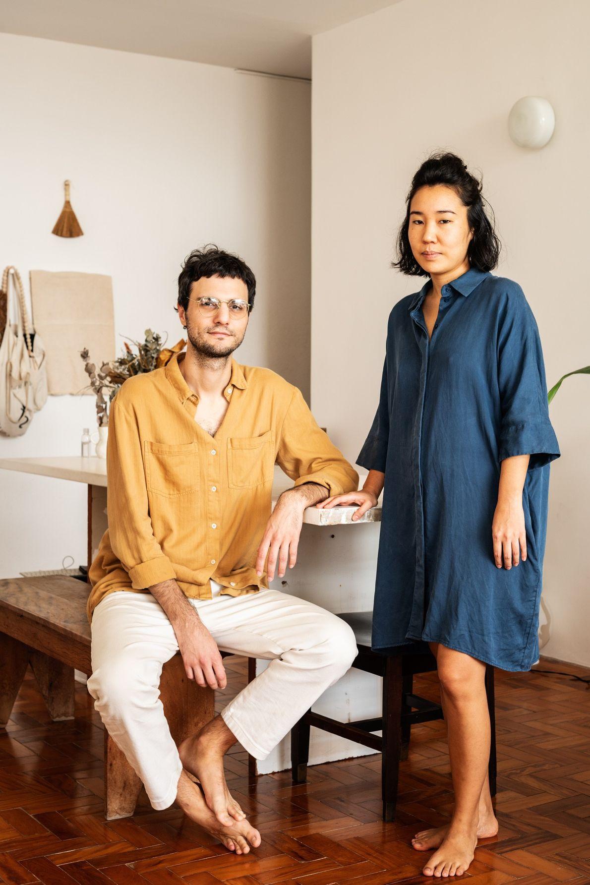 Pablo Resende, arquiteto, e Livia Tatsumi, editora de filmes, têm sorte de poder trabalhar remotamente durante ...