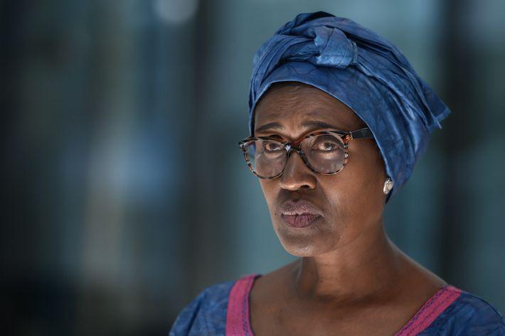 """""""A pessoa se manifesta porque acredita ter uma resposta,"""" explica Winnie Byanyima, diretora executiva do Programa ..."""
