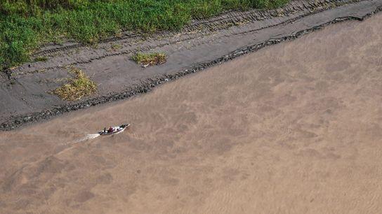 O rio Javari e seus afluentes formam uma rede de vias navegáveis que levam à Terra ...