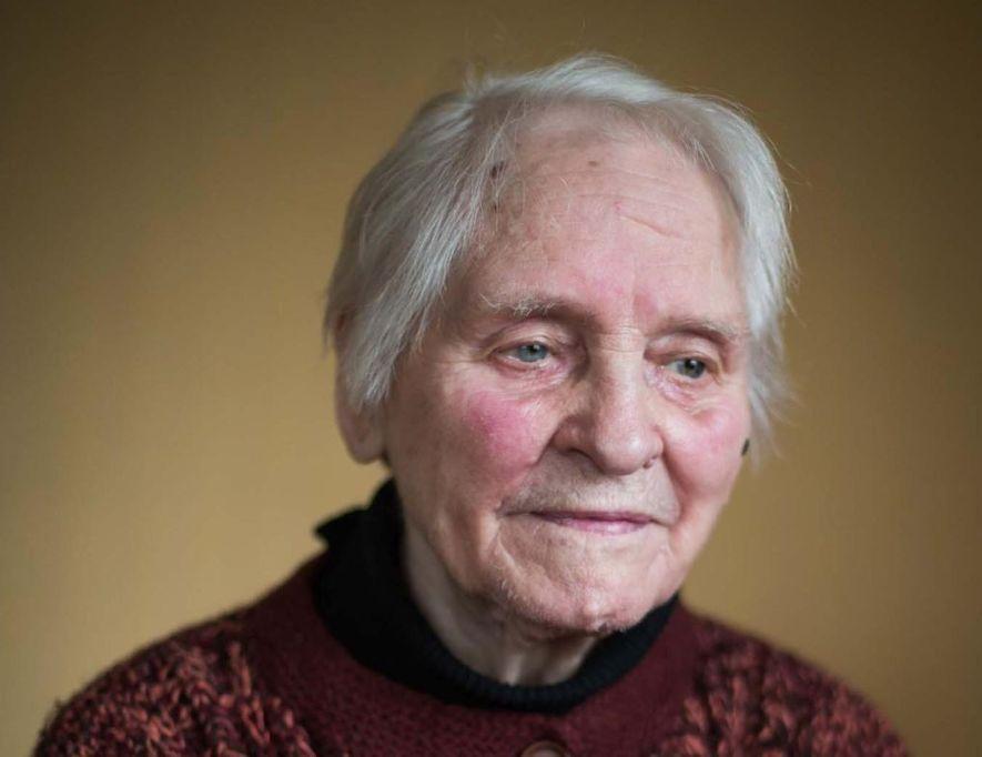 Para Gisela Unterspann, o trauma da guerra ainda persiste. Ela sente que as experiências dolorosas de ...