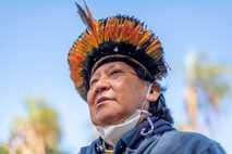 Por mais de uma hora, Davi Kopenawa Yanomami sentou-se para conversar com a reportagem no Parque ...