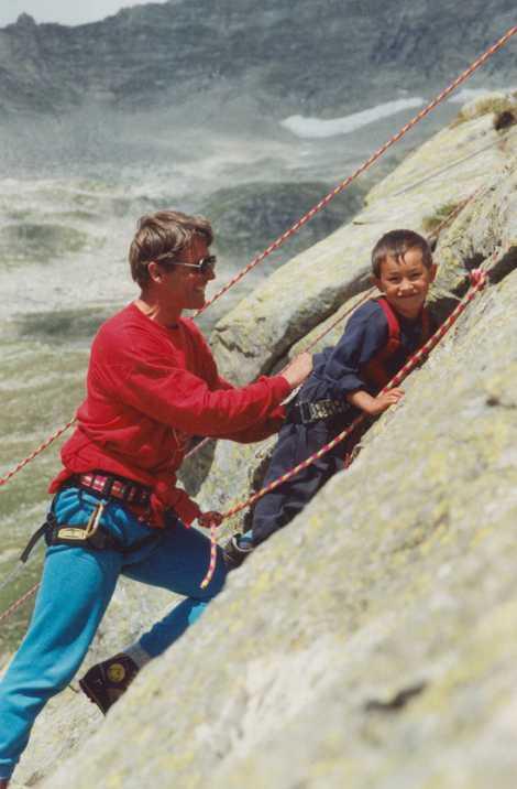 Em 1995, o lendário montanhista austríaco Peter Habeler (à esquerda) convidou Lama, na época com cinco ...