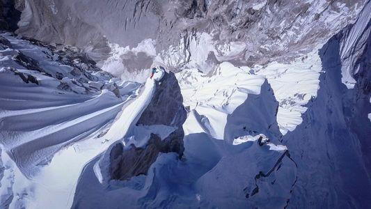 A busca de um alpinista por um pico ainda não escalado