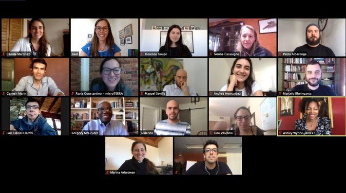 Encerramento do treinamento virtual com os 14 Exploradores da National Geographic. Esta foi a primeira vez ...