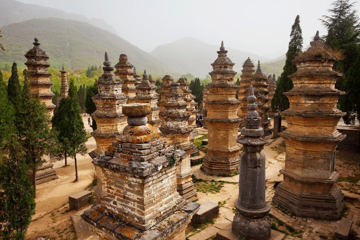 Monumentos nas montanhas Songshang