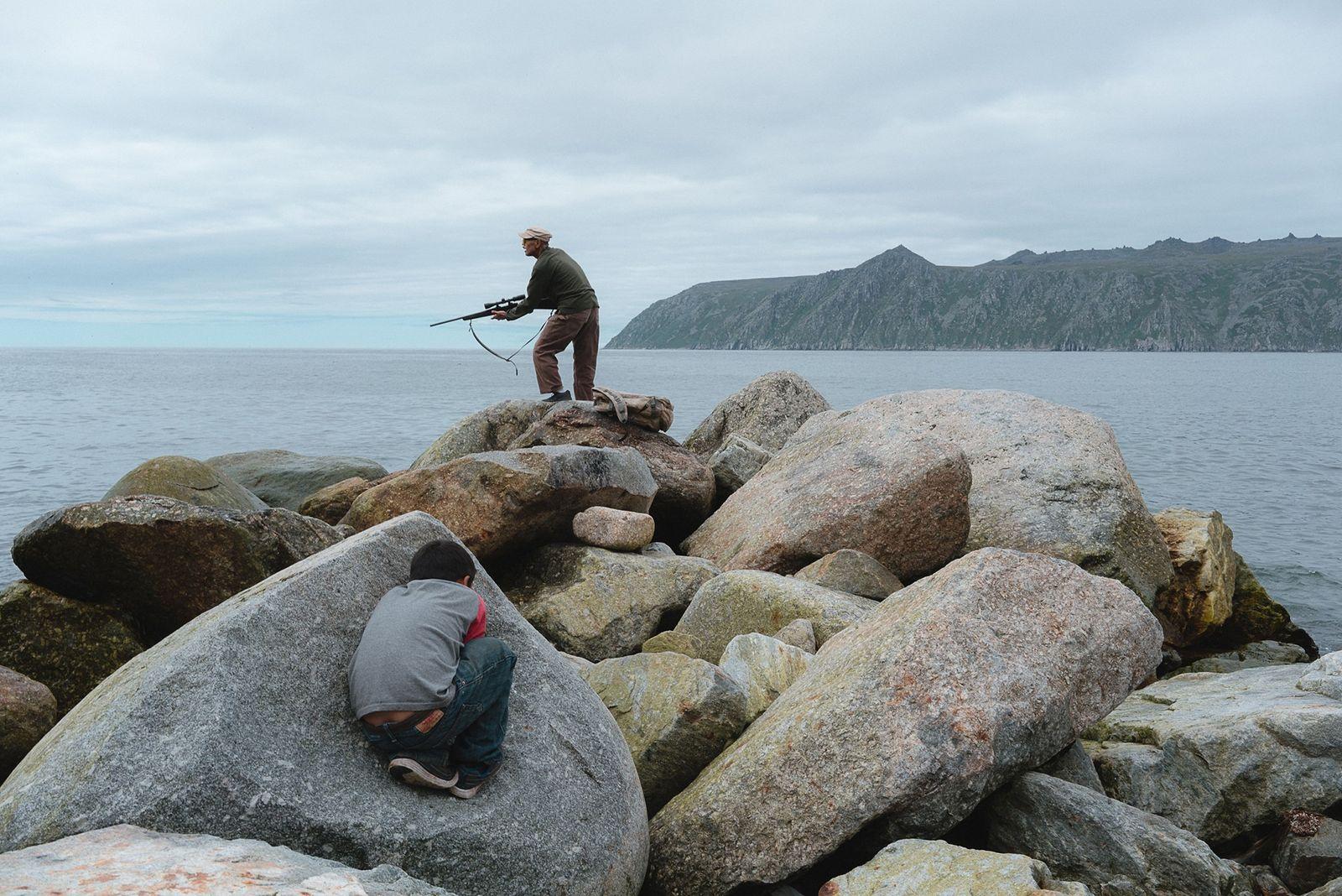 Mudanças climáticas ameaçam ilha do Ártico — será que a comunidade local resistirá?