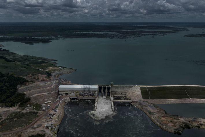 foto aérea de usina hidrelétrica