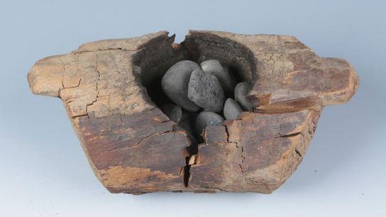 Sepulturas de 2,5 mil anos atrás no cemitério de Jirzankal, no oeste da China, apresentam recipientes ...