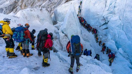 Lotação é apenas um dos problemas responsáveis pelas mortes no Everest