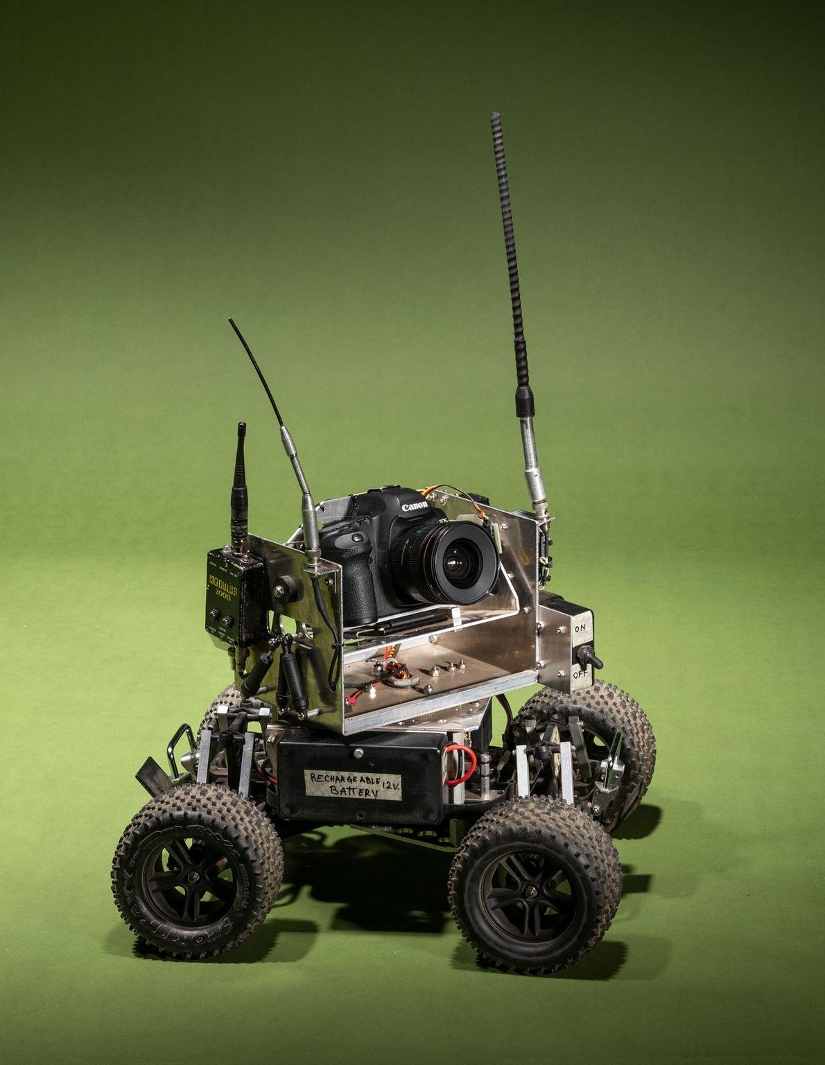 Steve Winter levou este carro-câmera personalizado para sua missão de documentar tigres sob uma nova perspectiva.