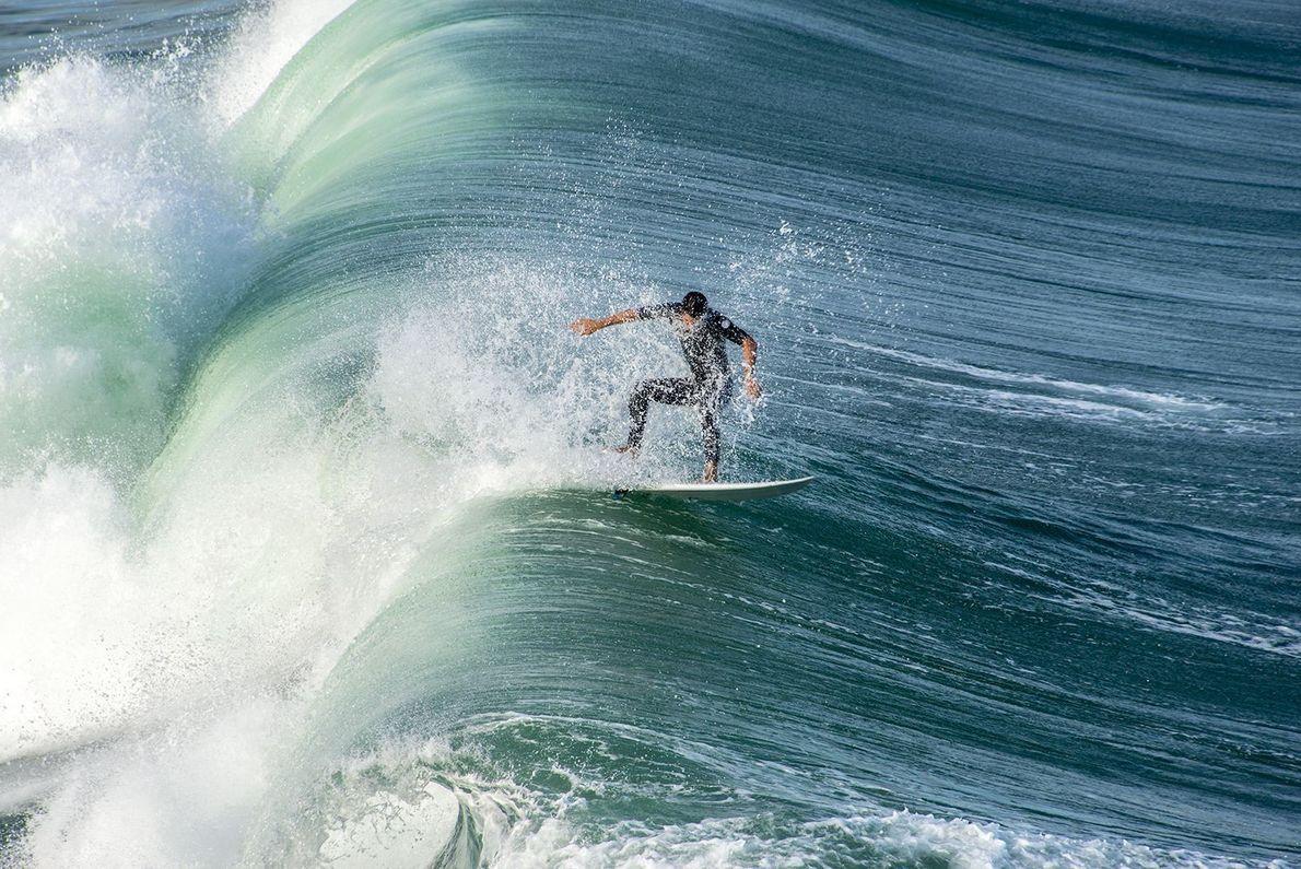 Por entre as ondas