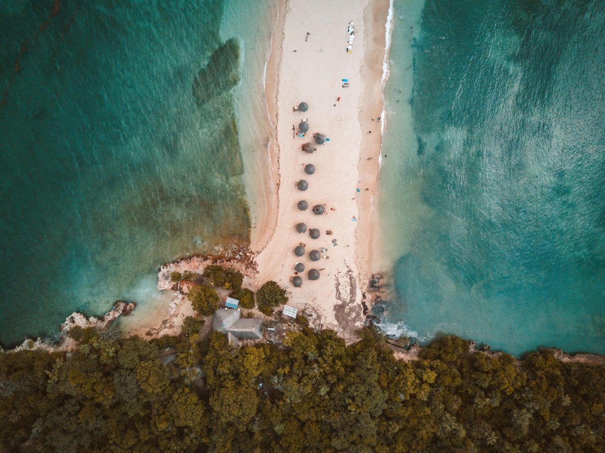 Ilha na Tanzânia vista de cima